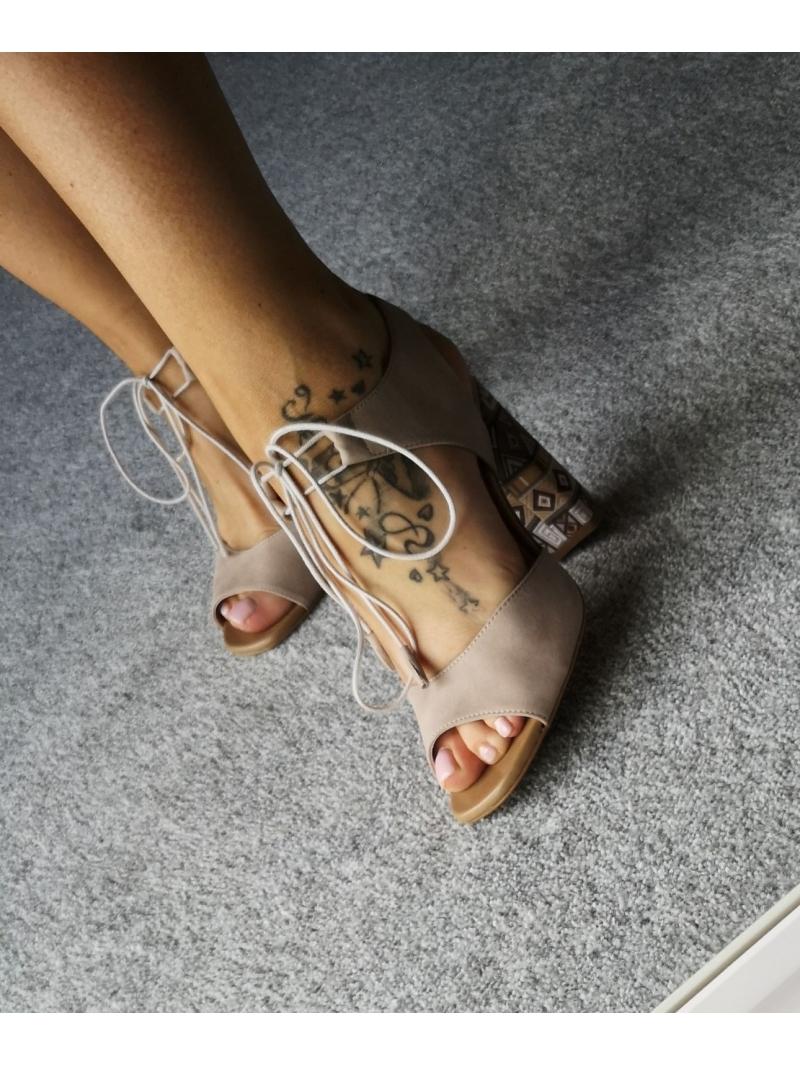 sandały z azteckim obcasem
